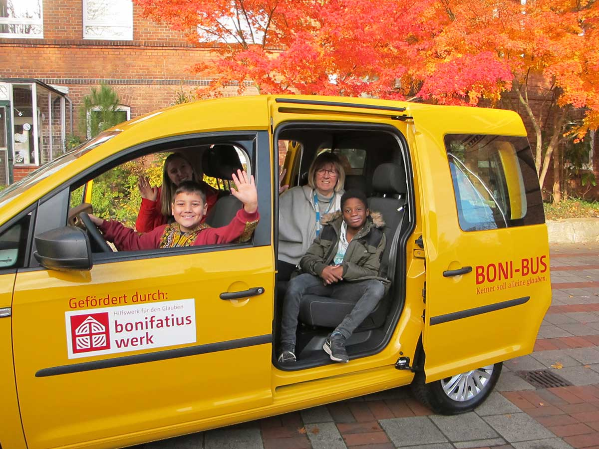 Ein Caddy vom Bonifatiuswerk für Bad Oldesloe